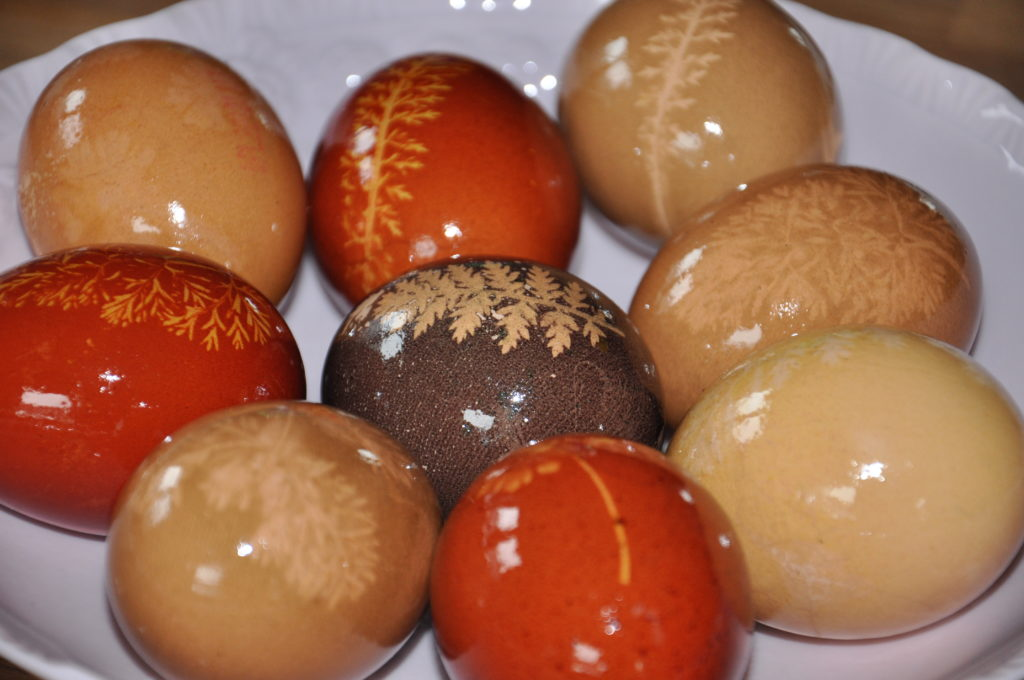 Jaja barwione naturalnie